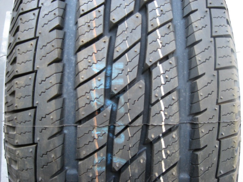 225/65 R17 TOYO OPEN COUNTRY 102H